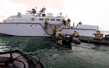 B-Roll: 11th MEU ADRD Combatant Dive Exercise