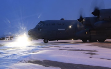 C-130H Hercules arrives at Minneapolis Saint Paul Airport