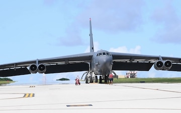210417-BTF aircraft arrival
