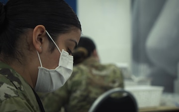 88 ABW Command Team Visits Vaccine Response Deployers