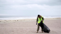 Pendleton Marines, sailors clean 21 Area for Earth Day