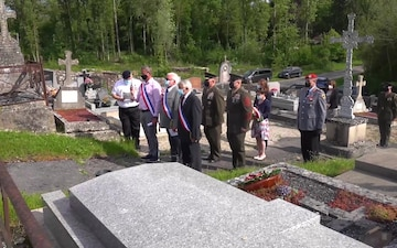 MARFOREUR/AF Commander supports French wreath laying ceremony