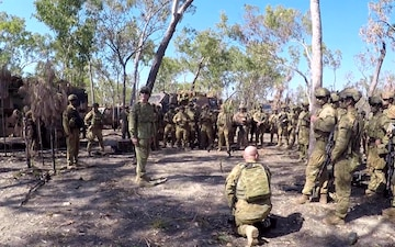 Exercise Southern Jackaroo: Australian Chief of the Defence Force visits Mount Bundey Training Area *B-Roll*