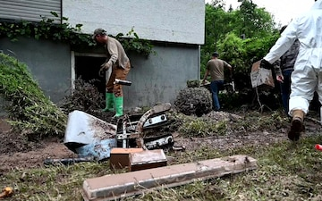 52nd CES volunteers aid flood recovery in Auw an der Kyll