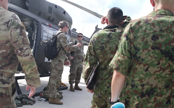 Soldiers, Airmen, and JGSDF receive medical training