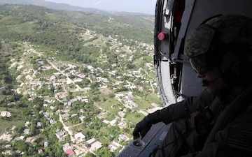 HSC 28 Delivers Food To Haitians In Support Of The USAID Humanitarian Relief