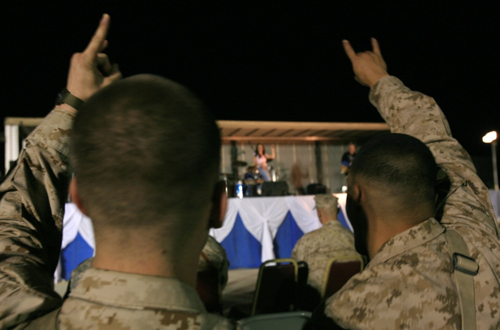 Saloonatics perform Rock 'n' Roll tribute for service members