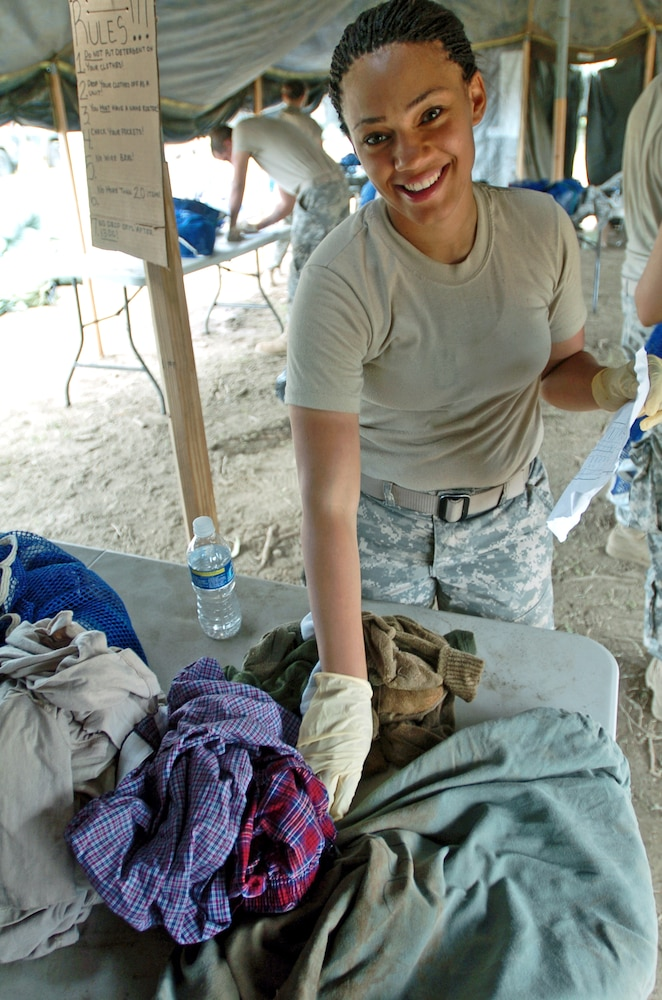 Field Service Company brings showers, clean laundry to troops in Haiti