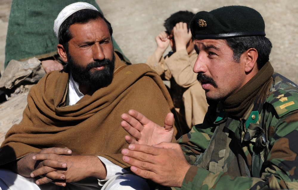 Afghan national army Soldiers Take Initiative, Brave Dangers to Help Afghan Citizens