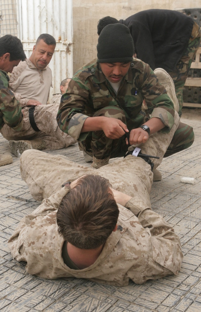 Corpsmen teach Afghan soldiers basic medical skills