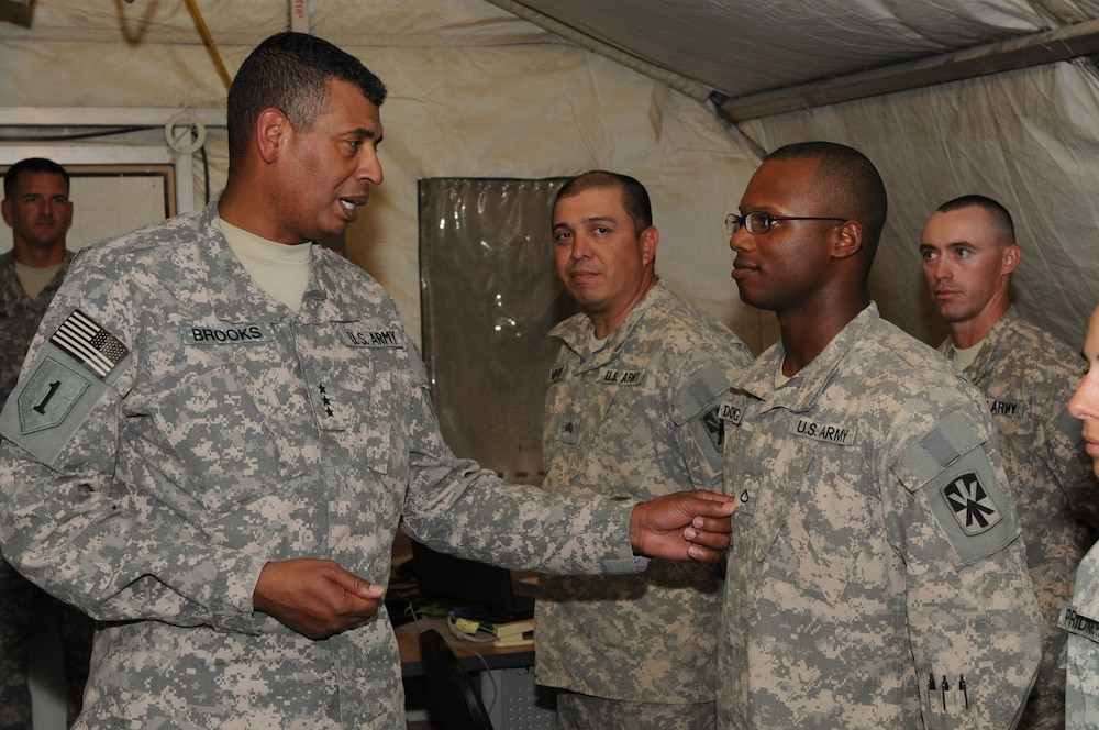 Third Army CG, CSM visit troops in Southwest Asia