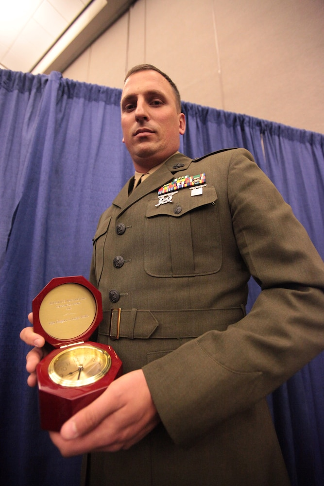 Prestigious Copernicus Award given to 13th MEU assistant communications officer