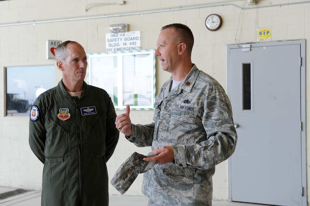 Air Combat Command general visits JBER