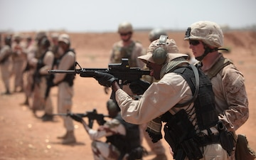 Marines and sailors from Special-Purpose Marine Air-Ground Task Force Africa train with elite Djiboutian forces