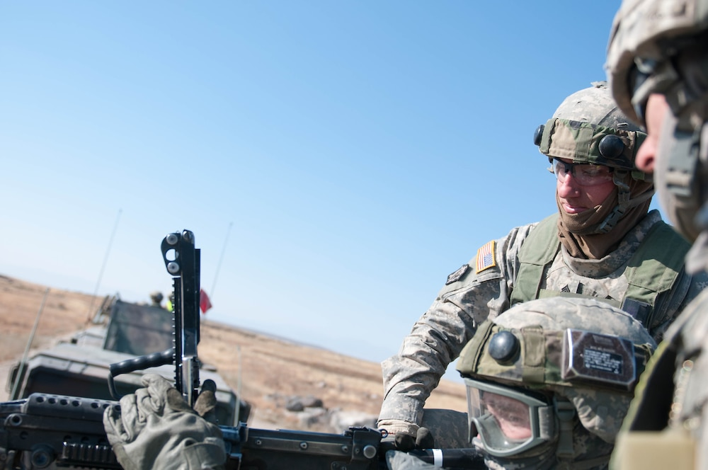 Convoy live fire prepares engineering soldiers for deployment