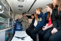 High school students learn 'medicinal air power'