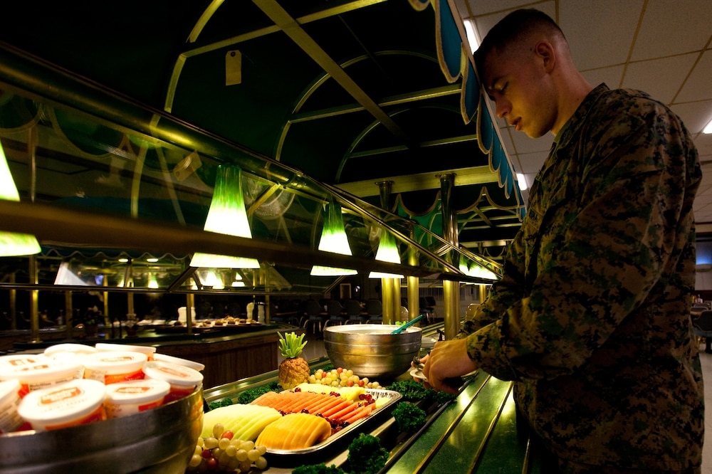 No kitchen, no problem: Marine gives tips to eat, stay healthy