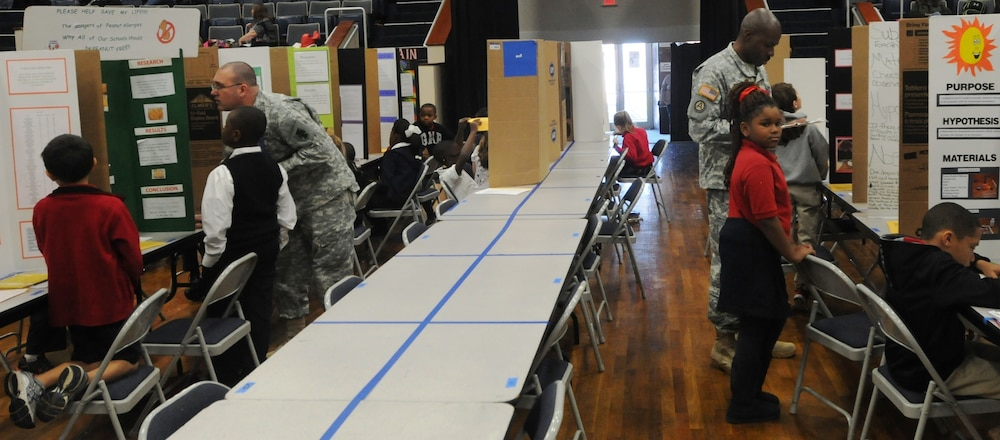 412th TEC soldiers judge local science fair