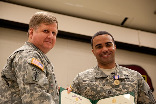 8th Military Information Support Battalion (Airborne) soldier is awarded the Soldier's Medal