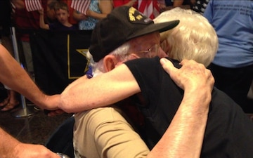 Indianapolis Honor Flight returns from Washington