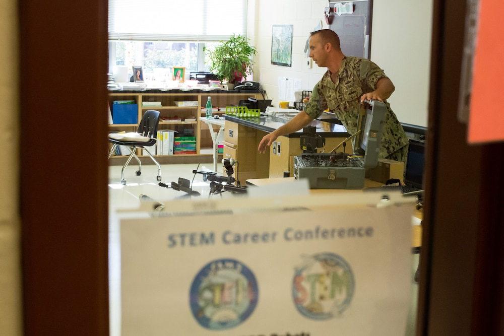 Navy EOD Robot Technician Inspires Students on STEM
