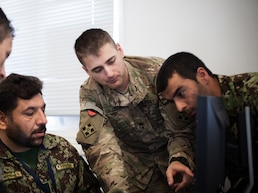 ISAF soldiers teach ANA public affairs