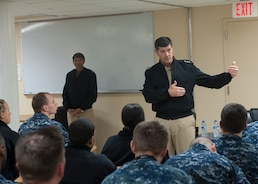 Chief of Naval Personnel visits Northwest Region