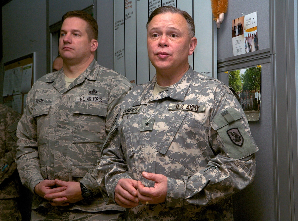 Washington adjutant general visits troops deployed to Kuwait