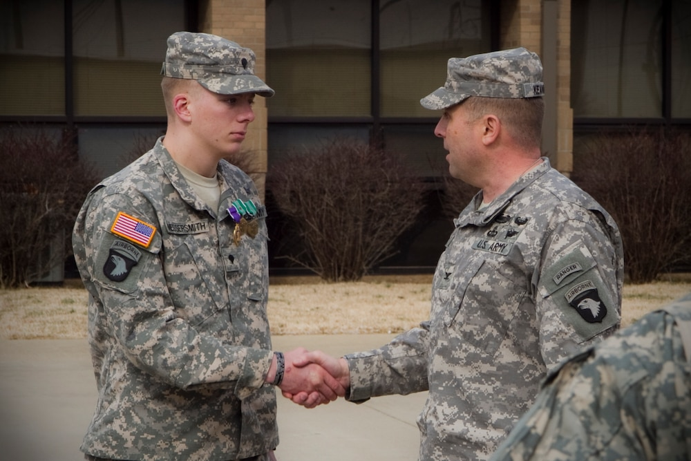 Currahee soldier receives ARCOM with Valor, Purple Heart