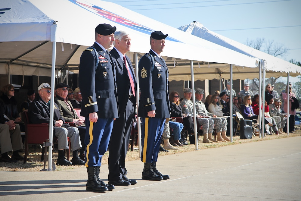 Longest deployed Currahee receives induction as Distinguished Member of 506th