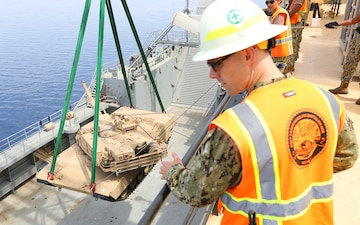 Eager Lion 2014 Sailor delivers tank safely abourd ship