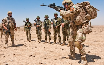 Slovak team trains Afghan soldiers to instruct their own weapons training