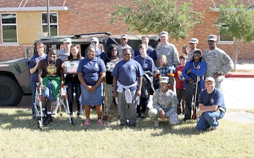 Warrior Diplomat Soldiers join Texas School for the Blind and Visually Impaired during Parent Weekend