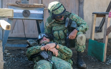 Marines with 1/5 and the 7th Singapore Infantry Brigade team up for exercise Valiant Mark 14.2