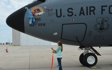 High school senior unveils aircraft nose art