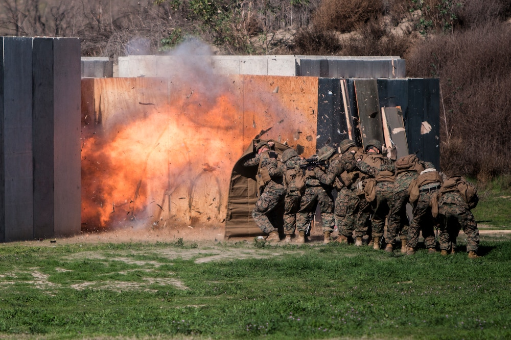 Combat engineers teach infantrymen breaching tactics