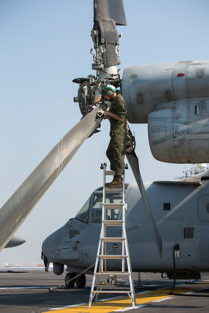 Keeping the rotors spinning: Aviation mechanics keep the 26th MEU ready