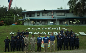 New Mexico National Guard medics share knowledge with Costa Rican Coast Guardsmen