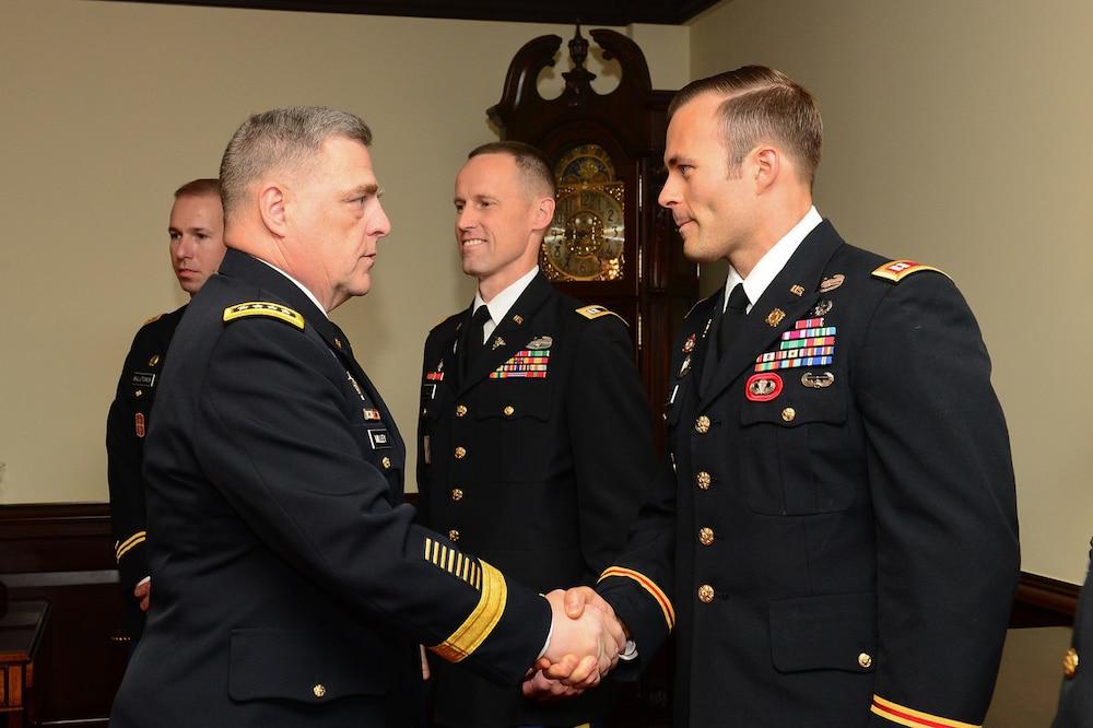 EOD Officer Wins MacArthur Leadership Award, Makes History