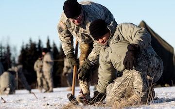 Alaska Soldiers Conduct Cold Weather Training