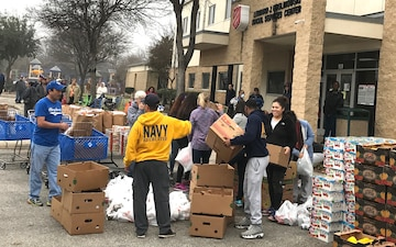 NRD San Antonio Recruiters assist Salvation Army with Food Distribution