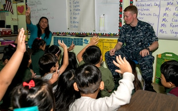 USS Lake Champlain (CG 57) Sailors visit Saipan School