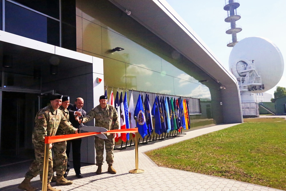 Landstuhl SATCOM facility cuts ribbon on new building