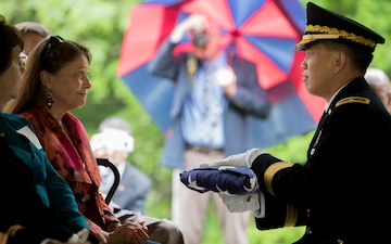 Old Guard Soldiers lay Revolutionary War veteran to final resting place