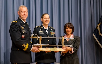 Army Reserve Soldier earns top paralegal award