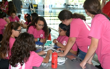 Navy SeaPerch Huge Hit at UIW miniGEMS STEM Camp
