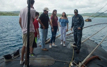 Retired Guam Submariner Tours Topeka