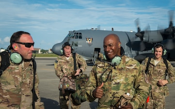 1st SOW aircrews showcase capabilities to CMSAF
