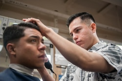 USS America Marines cut hair [Image 3 of 5]