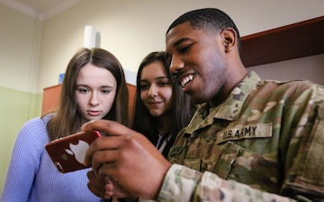 Soldiers Build Bridges with Polish Students